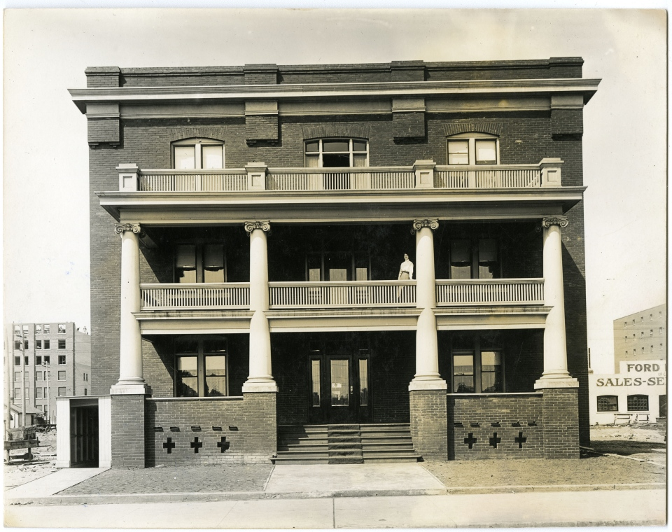 Photo LH-771 courtesy of the Saskatoon Public Library - Local History Room. The Patricia Hotel exterior. The veranda was removed in 1950.