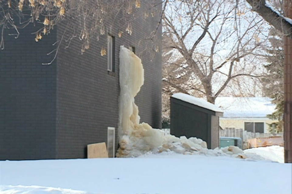 While a compliance order was issued Friday to have the giant icicle taken down within 24 hours, crews were forced to give up and wait for bigger equipment. On Saturday, much of the structure was still standing.