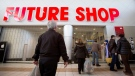 Shoppers arrive at a Future Shop location in St. Catharines, Ont. to discover that all stores in Canada have been closed, Saturday, March 28, 2015. (Aaron Lynett / THE CANADIAN PRESS)