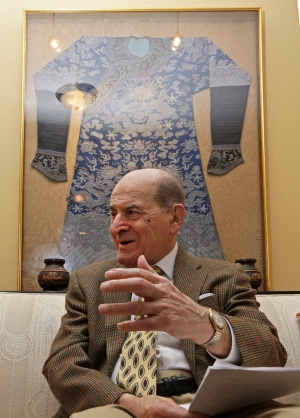 In this Feb. 5, 2014 photo, Dr. Henry Heimlich is interviewed in his home, in Cincinnati. Heimlich is known for developing the Heimlich maneuver that has been used to clear obstructions from the windpipes of choking victims around the world for four decades. (AP Photo/Al Behrman)