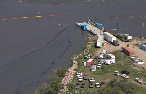 North Saskatchewan river oil spill