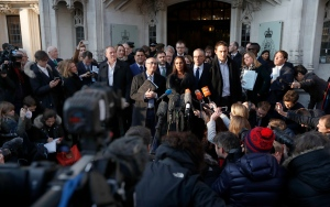 Gina Miller, the lead claimant in the legal fight to get Parliament to vote on whether the U.K. can start the process of leaving the EU, makes a statement outside the Supreme Court in London, Tuesday, Jan. 24, 2017. (AP / Kirsty Wigglesworth)