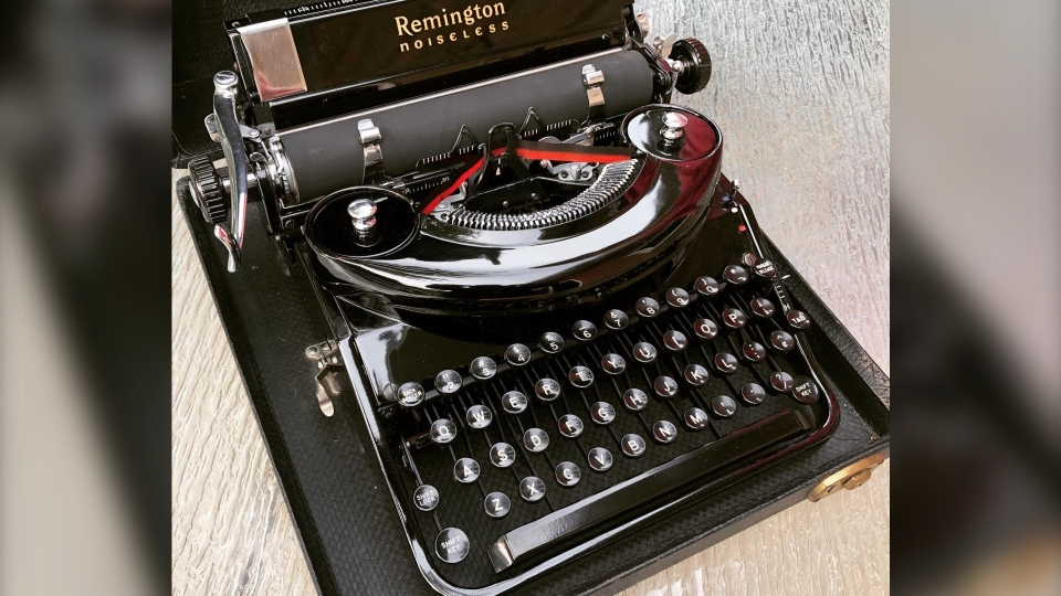 Tom Hanks typewriter